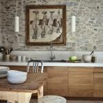 cocina rústica piedra y madera lisa