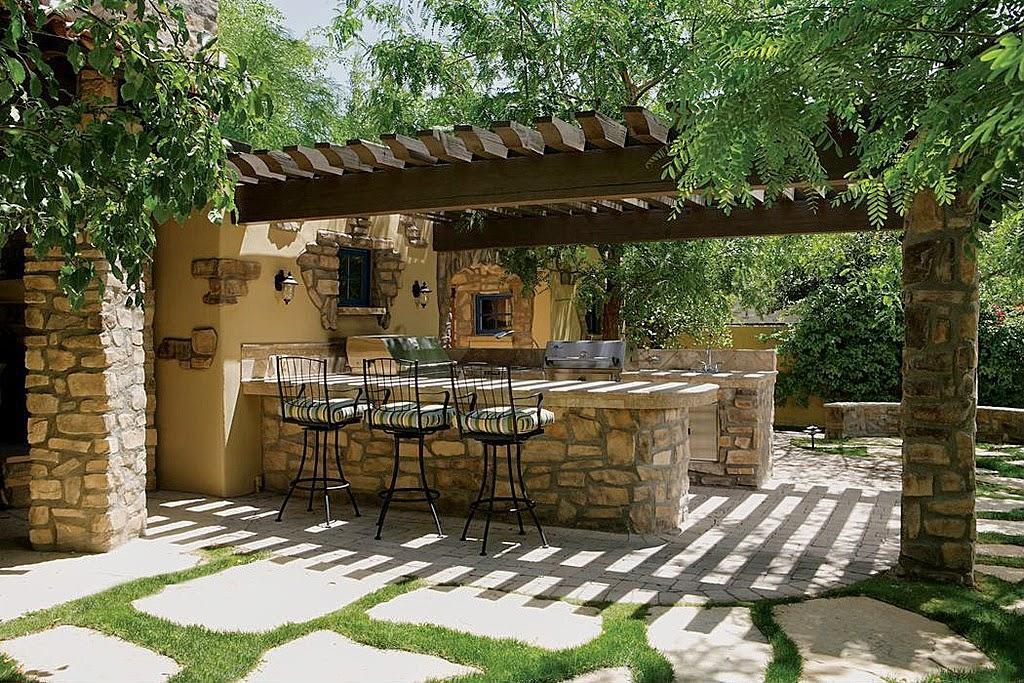 Piedras y forja en jardines rusticos for Decoracion de jardines pequenos rusticos